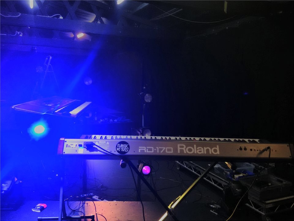 Keyboard Stage Set