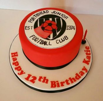 Football badge cake