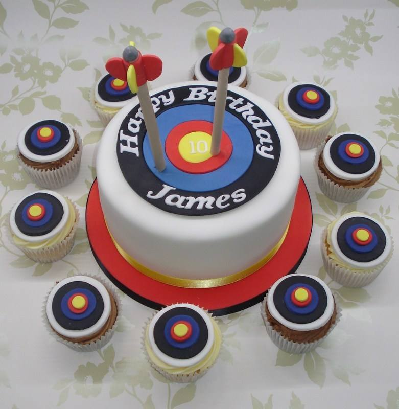 Archery cupcakes and large cake