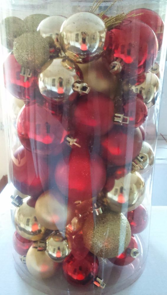 50pc Nayy/Red Baubles