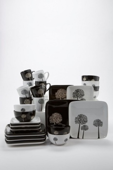 16+16-Piece Trees Square Stoneware Dinner Set