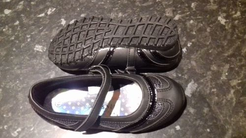 Girls Dawlish School Shoes size 11.