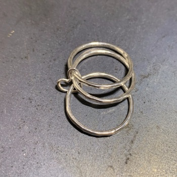 Heart Link Triple Rings