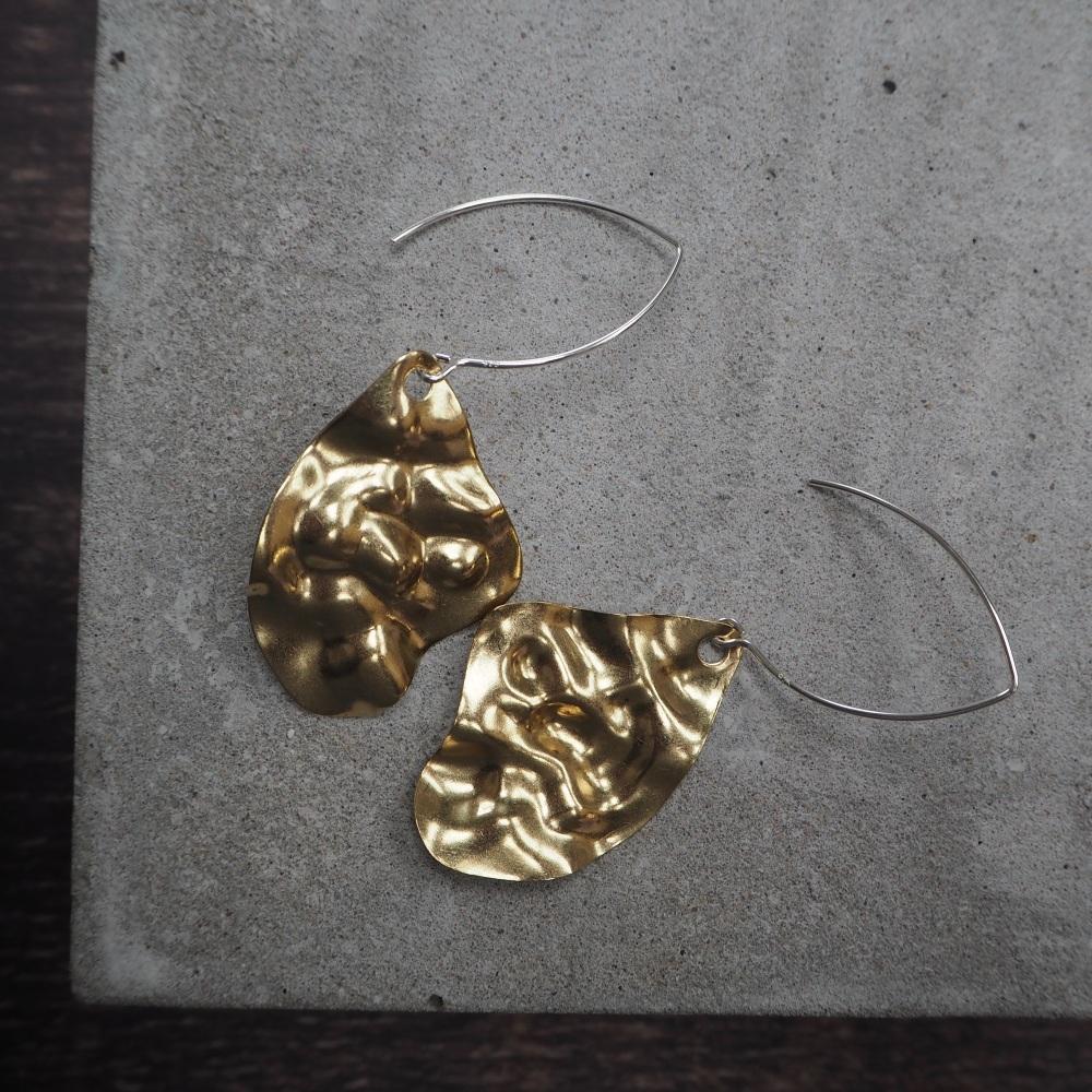 Wave Brass Shape on Hooks