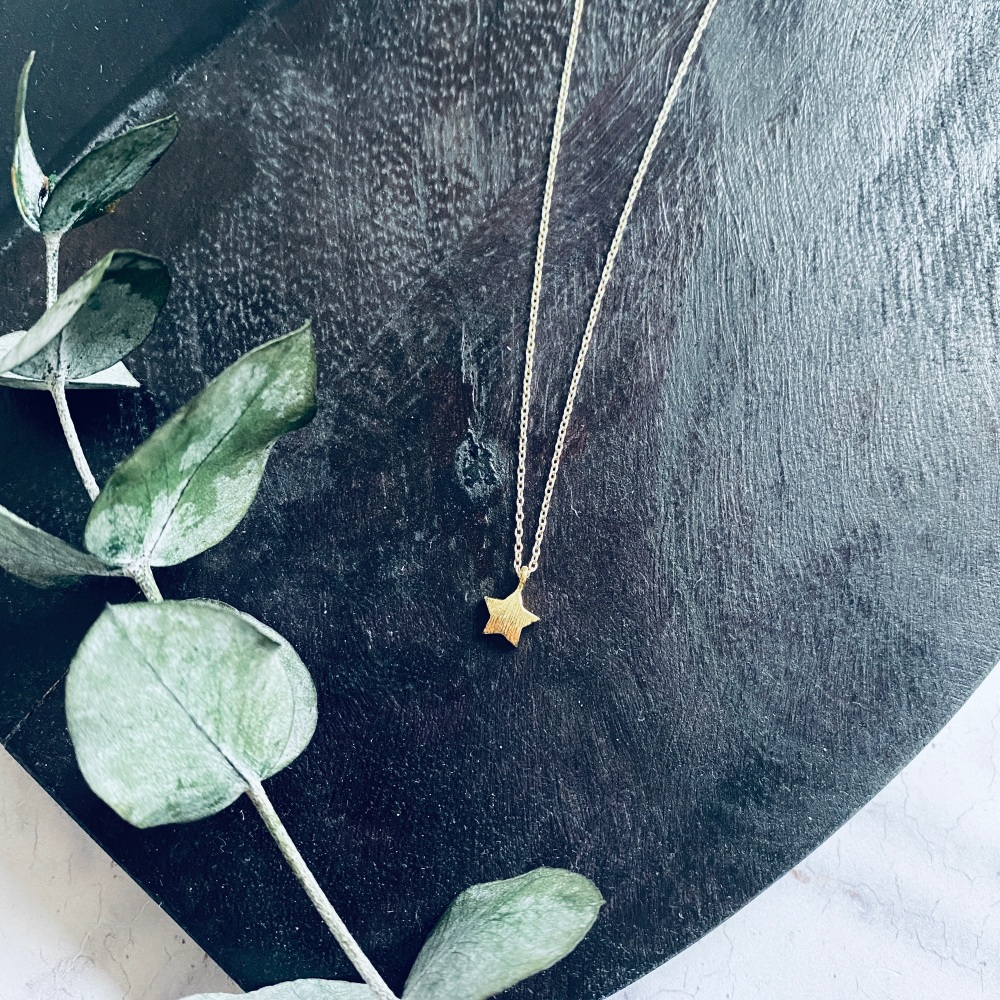 Puff Star Necklace