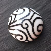 'Black & White' Cabochon (15.5mm)