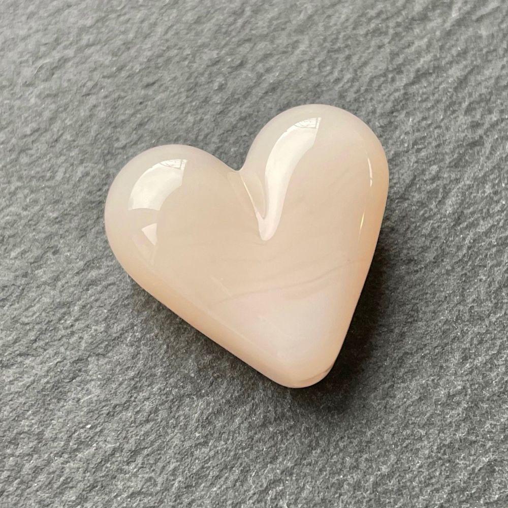 'Pale Peach' Heart