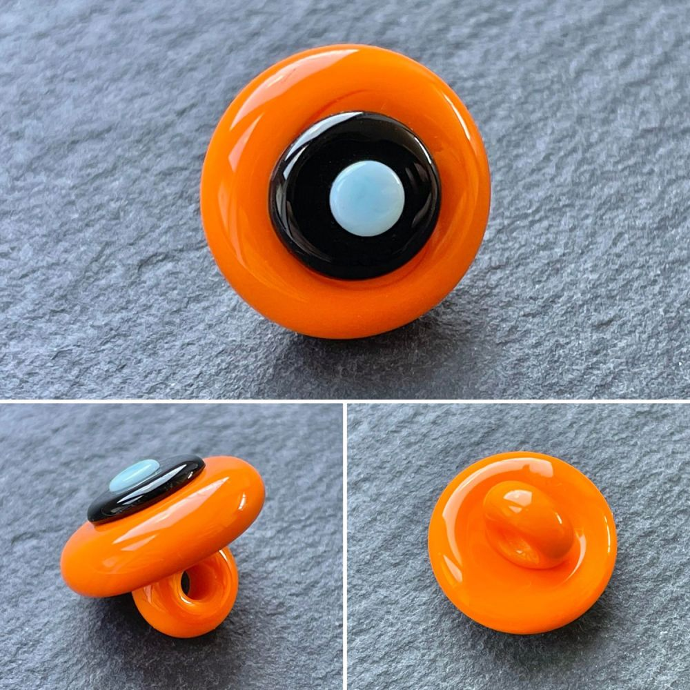'Groovy' Concentric Button