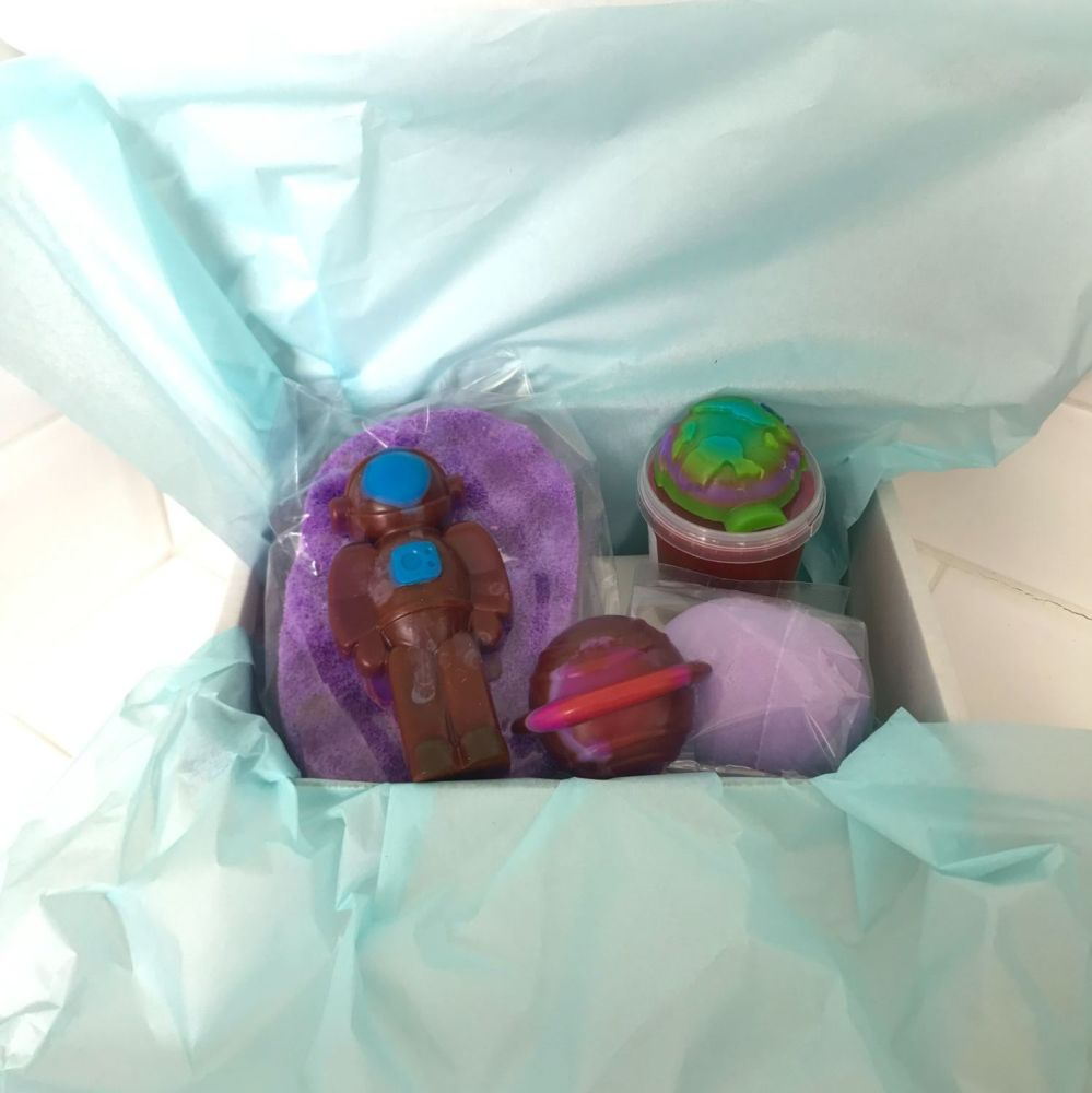 You're Outta This World Gift Set