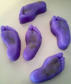 Fresh Feet Pumice Soap in Parma Violet