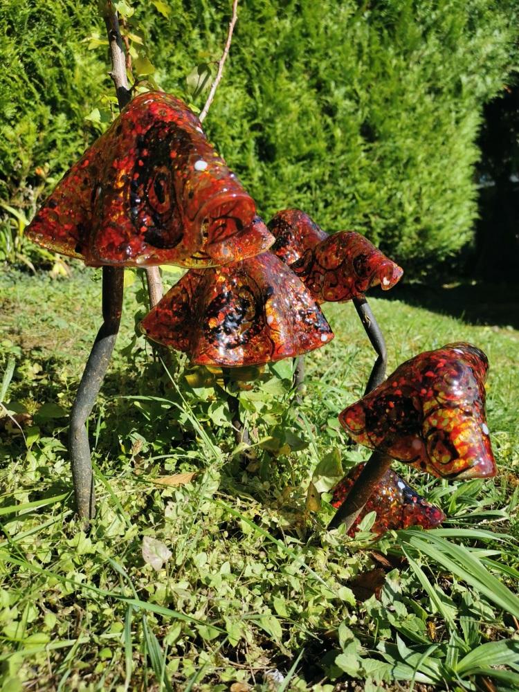 Garden Toadstools - Amber