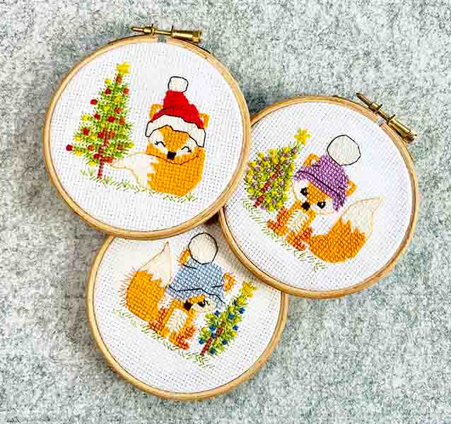 PDF - download - Christmas Foxes - Little scruffy fox blue, purple bobble h