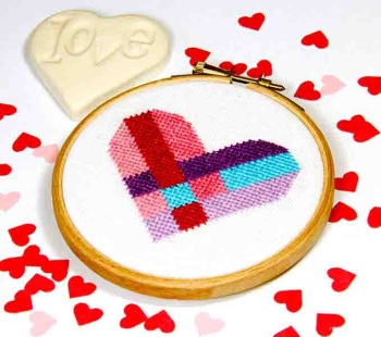 Heart weave - 3 rows - by Bird Says Tweet - Paintbox Collection - easy stitch fun modern design for beginners, anniversary, wedding,