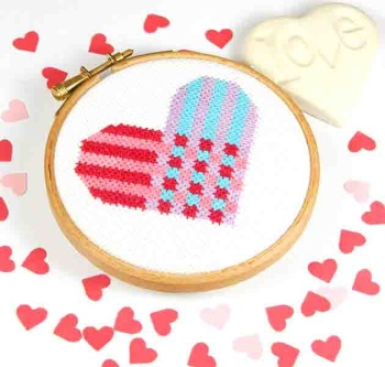 Heart weave - 7 rows - by Bird Says Tweet - Paintbox Collection - easy stitch fun modern design for beginners, anniversary, wedding,