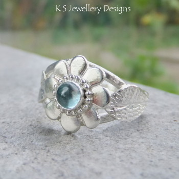 Blue Topaz Flower and Leaves Sterling & Fine Silver Ring (UK size N / US size 6.75 )
