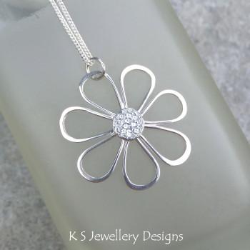 shiny daisy 1