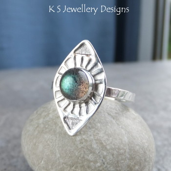Labradorite Sterling & Fine Silver Sunburst Ring (UK size N / US size 6.75)