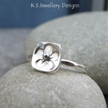 Stamped flower ring 5