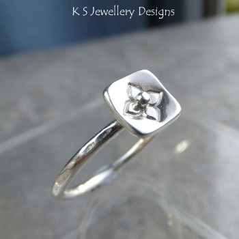 Stamped Flower Square Sterling & Fine Silver Ring V3 (UK size M / US size 6.25)
