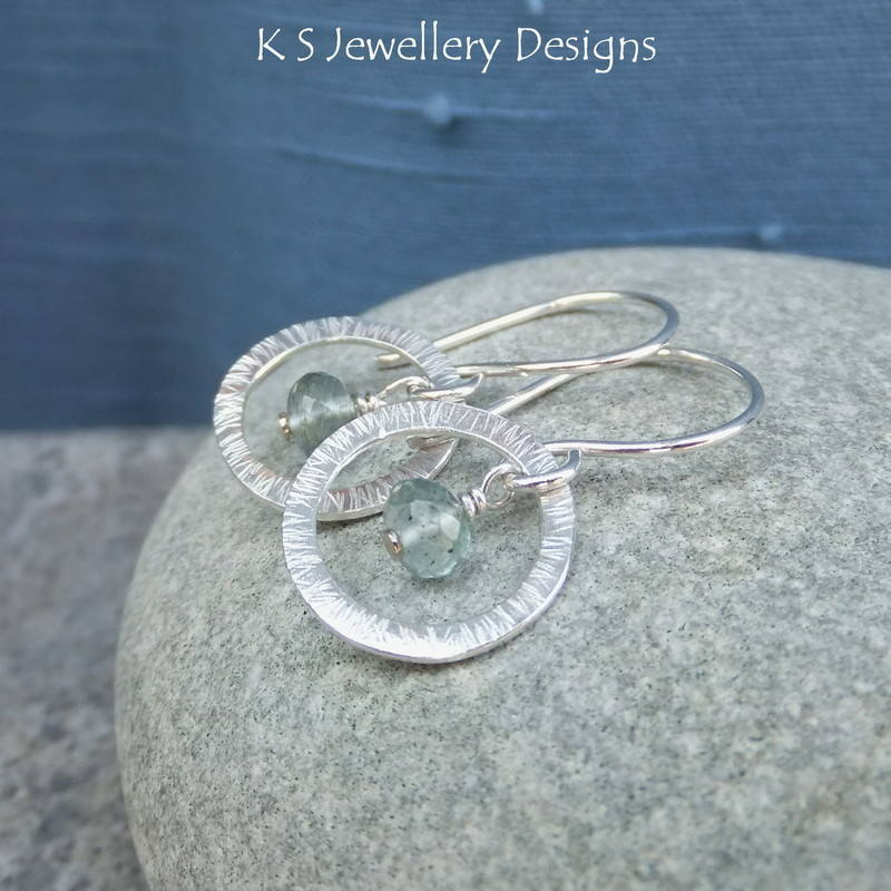 Moss aqumarine striped circle earrings 4