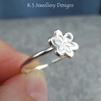 little flower ring 5