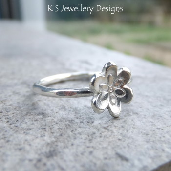 little flower ring 3