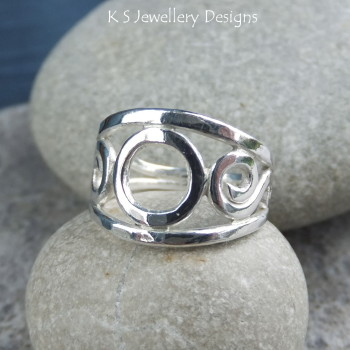 circle swirls ring 4