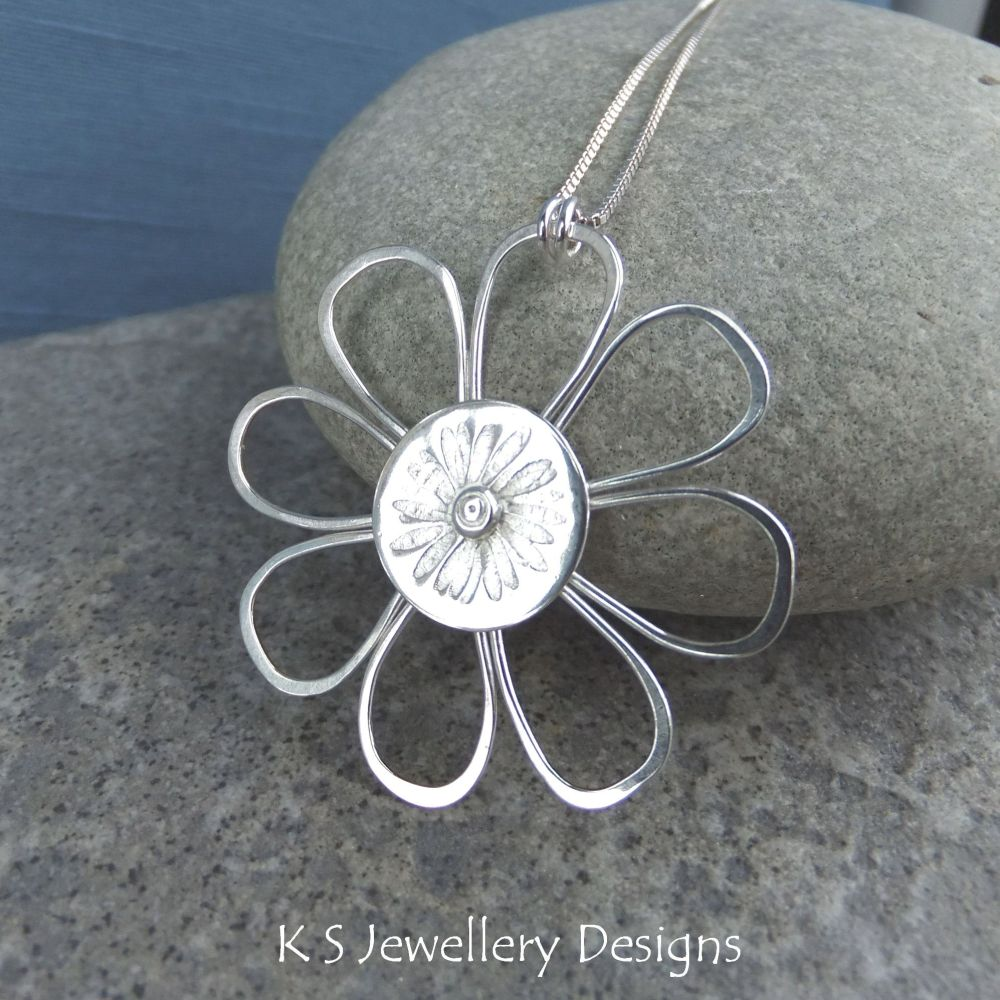 Daisy - Sterling Silver Wire Flower Pendant