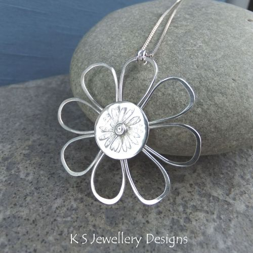 Daisy - Sterling Silver Wire Flower Pendant