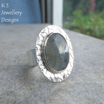 blue sapphire oval ring 3
