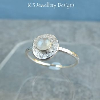 Rainbow Moonstone Sterling & Fine Silver Textured Pebble Ring (UK size L1/2/ US size 6)