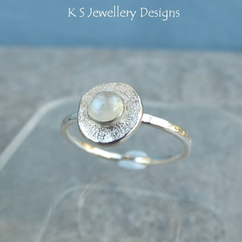 Rainbow Moonstone Sterling & Fine Silver Textured Pebble Ring (UK size L1/2