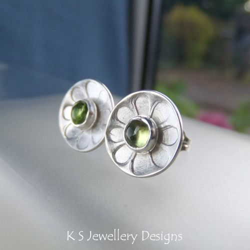 Peridot Daisies - Sterling Silver Stud Earrings - Daisy Flower Discs