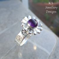 Amethyst Sterling Silver Daisy Ring (UK size N /US size 6.75)
