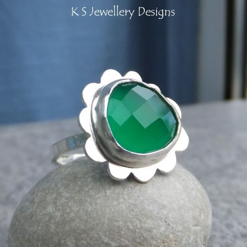 * SALE - Green Chalcedony Sterling Silver Cloud Ring (UK size M / US size 6