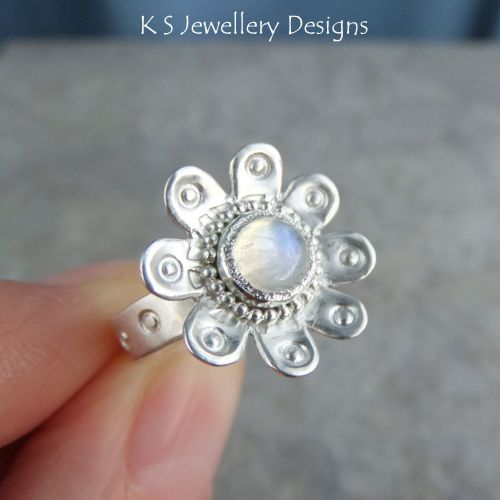 * SALE - Rainbow Moonstone Sterling & Fine Silver Daisy Ring (UK size K1/2/