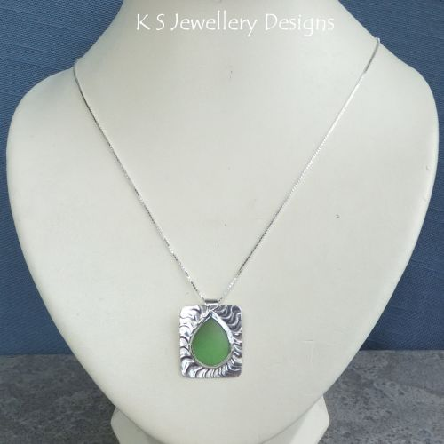 * SALE - Green Glass Teardrop Wavy Textured Sterling Silver Pendant WAS £42