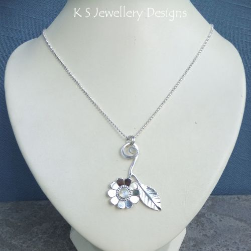 * SALE - Rainbow Moonstone Daisy & Leaf Sterling Silver Pendant WAS £75 NOW