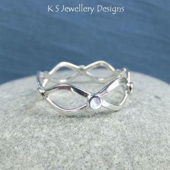 Twisted Wire Sterling Silver Wavy Ring - (UK size Q / US size 8.25 - can be stretched bigger)