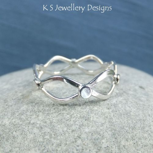 Twisted Wire Sterling Silver Wavy Ring - (UK size Q / US size 8.25 - can be