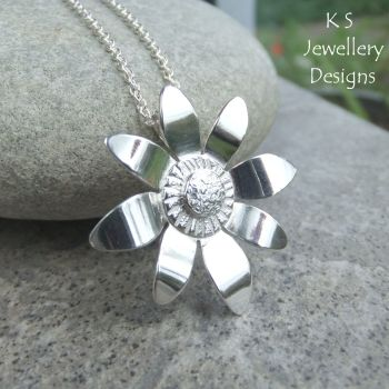 Shiny Daisy - Sterling Silver Flower Pendant