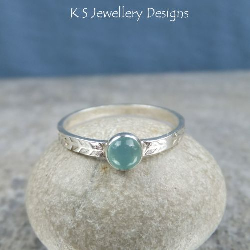 Aqua Chalcedony Wreath Textured Fine Silver Ring (UK size P / US size 7.75)