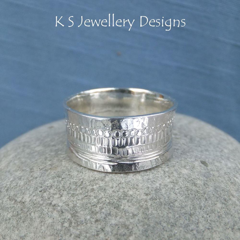 Shoreline Textured Sterling Silver Ring (UK size J1/2 / US size 5)