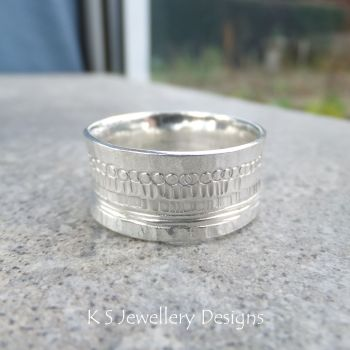 Shoreline Textured Sterling Silver Ring (UK size W / US size 11.25)