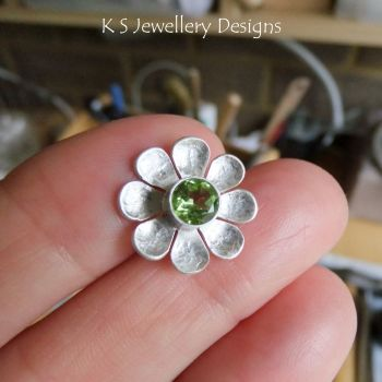 * DEPOSIT FOR CUSTOM ORDER - Peridot Daisy Flower Sterling Silver Wide Band Ring
