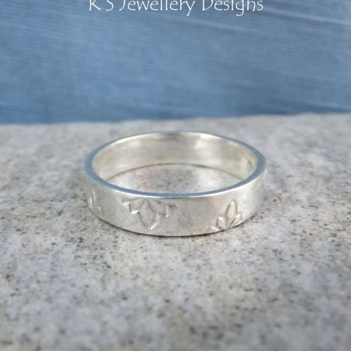 Sterling Silver Textured Wide Band Ring - PETALS (UK size O / US size 7.25)