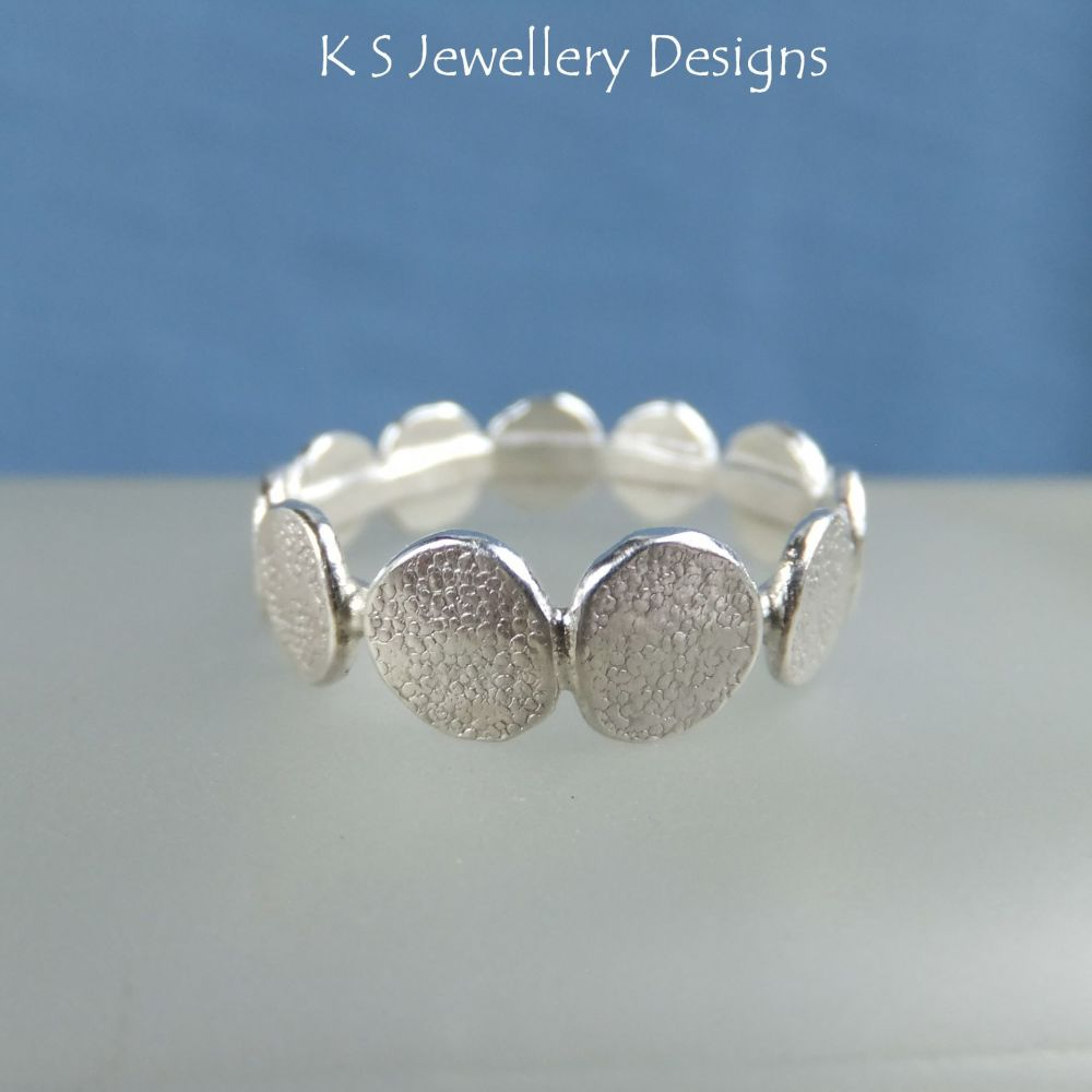 Stepping Stones Sterling Silver Textured Ring (UK size P 1/2 / US size 8)
