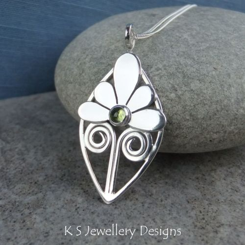 Peridot Shiny Flower and Swirls Sterling Silver Leaf Pendant