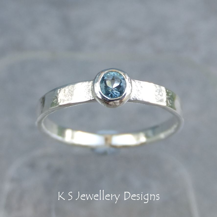 Swiss Blue Topaz Sterling Silver Ring - Sparkling & Textured (UK size M1/2 / US size 6.5)