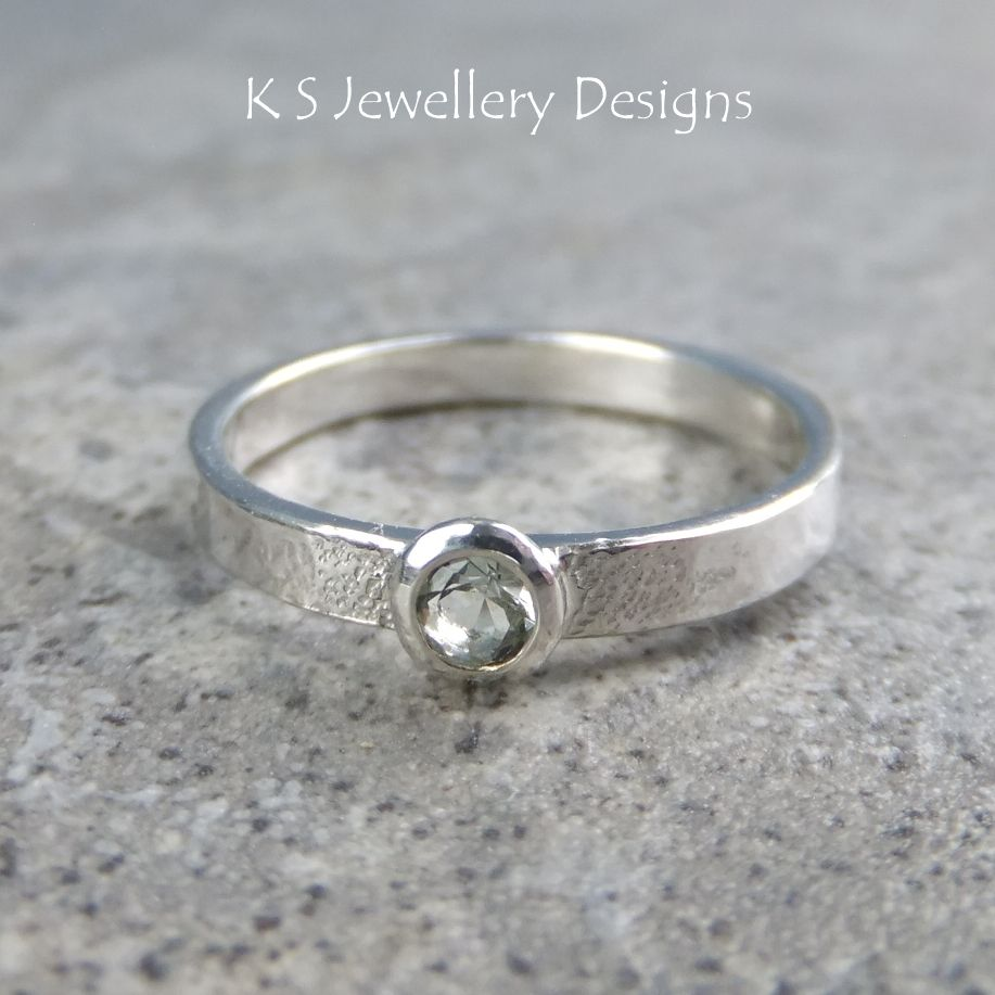 Green Amethyst Sterling Silver Ring - Sparkling & Textured (UK size M / US size 6.25)